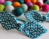 Teal with White Triangle Knot Hair Tie