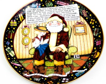 "Mary Engelbreit Santa ""It Can't Hurt To Ask"" porcelain plate"