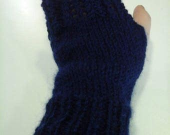 Navy Blue lace mittens wool