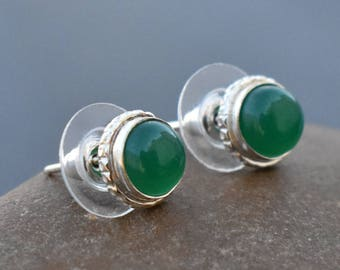 Green Onyx stud earrings | Round Cab stone earrings stud | Everyday jewelry earring | Small silver plated stud earring | Fashion stud | E17