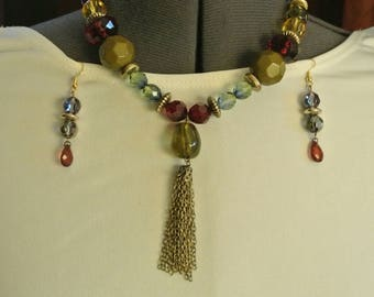 A very Beautiful Bead Necklace and Earring Set