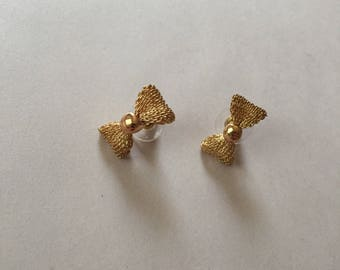 golden mesh bow studs | small bow stud earrings