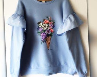 Hand bemalte Sweatshirt auf Bestellung/Drawing on Tshirts/Sweatshirts/Jeans Jacken/Jeans Jackets/Damen/Textilkunst/Textile art/Sweatshirtart