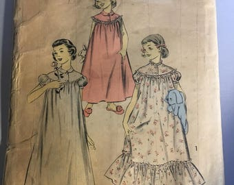 RARE Vintage Advance Girl's Nightgown Pattern  Size 10