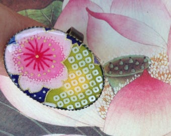 Ring - Adjustable ring - Japanese paper with multicolored flowers.