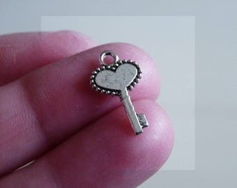 Key Charm, Charm for Bracelet , Silver Tone Key Charms, Small Charms, Necklace Charms Pendants Charms for Anklets