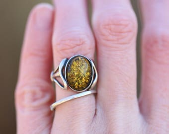 Stunning Vintage Green Amber Sterling Silver Ring Size 6
