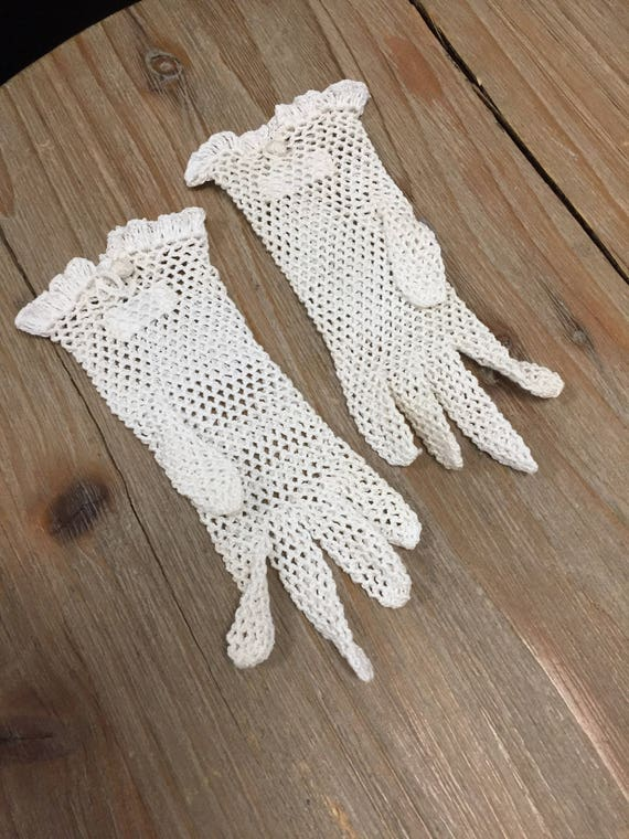 Adorable Vintage 1940s Knitted Children's Gloves Handmade in Austria