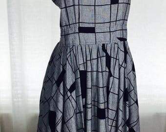 Vintage amazing 80's abstract geometric black and white cross back sundress
