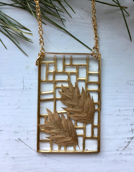 Woodoat grass seed necklace