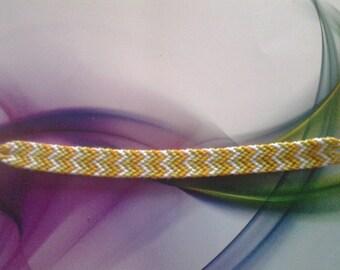 Bracelet friendship pattern W orange green white