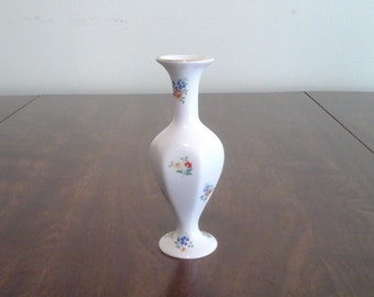 Darling little buddy vase, made by Lord Nelson Pottery in England.