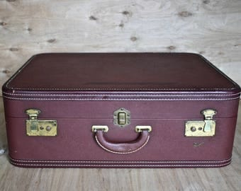 Vintage Skyway Suitcase/ c. 1940s/ Seattle Suitcase Trunk and Bag/ Burgundy Bag