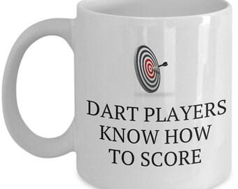 Funny Darts Gift - Dart Players Know How To Score - Dart Thrower Mug