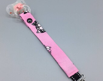 Pacifier pink closure pressure