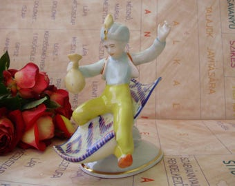 Vintage Hungarian Hollohaza porcelain child figurine,Aladdin&flying carpet,фарфоровая статуэтка