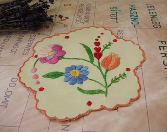 Lovely,Vintage,Hungarian handmade embroidered doily,Kalocsa flower pattern Cottage/Shabby Chic