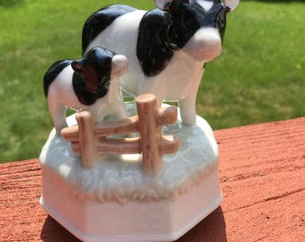 Otagiri Music Box Mother Cow and Calf. Made in Japan. 1980s. Like new.