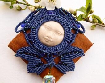Small woodland brooch Blue Moon