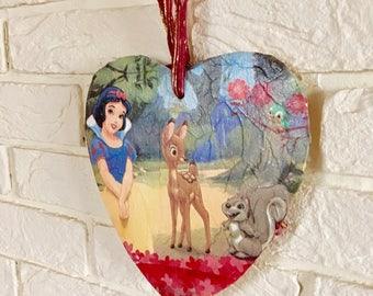 Snow white hanging heart, disney, disney princess, home decor, wall decor, disney home decor, girls bedroom, girls gifts,