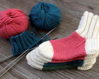 Pink baby socks / white