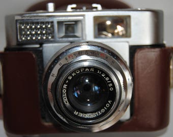 Voigtländer Vitomatic II  35mm  camera coupled-rangefinder made by Voigtländer division Zeiss-Ikon from 1950s