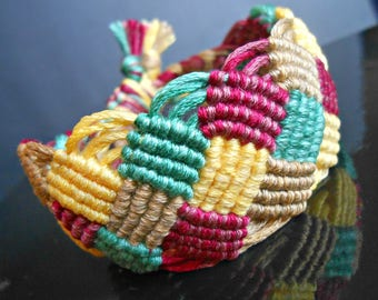 """Braid to 4 colors"" handwoven macrame bracelet"