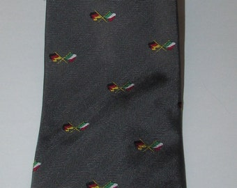"Vtg collectable gray Michael Schumacher two flags  pure silk necktie/superbe cravate  pure soie grise Michael Schumacher two flags  56"" x 4"""