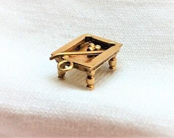 Estate 14k Yellow Gold Pool Table Charm Pendant for Necklace Bracelet 3D Solid 14kt Marked 14 k kt Vintage Billiards Cue Game Hustler Shark