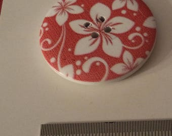 6 white flowers on red 4 cm of superb quality wooden buttons