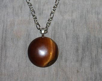 Necklace with Tiger eye stone pendant