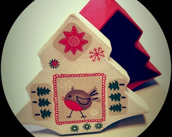 Box shaped Christmas tree, season pattern