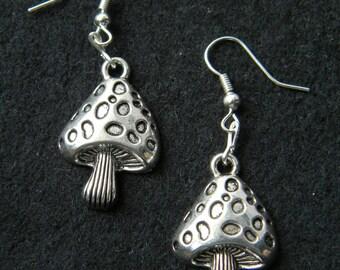 earring - fashion earring - mushroom earring silver - silver mushroom charm