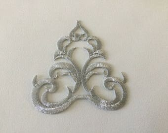 Silver embroidered applique fusible 8 * 8 cm