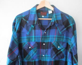 Western Shirt , Western Shirt Men , Pearl Snap Shirt , Vintage Western Shirt , Vintage Western Wear ,  Plains Western Wear  Shirt Size Large