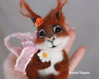 Needle felted Squirrel, toy Squirrel, Felted squirrel, needle felted animals, felt toy, Handmade toys, soft sculpture squirrel, home decore