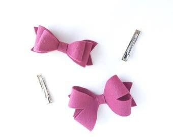 Felt Hair Bows .  Pig Tail Hair Clip Set . Felt Bows . Felt Barrettes . Hair Accessories