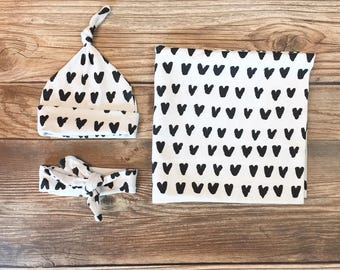 Black and and White Heart Swaddle Set, Gender Neutral Swaddle, Heart Swaddle, Valentines Swaddle, Valentines Day, Baby Valentines Day