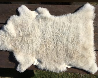 Big genuine Sheepskin Rug from Bosnia / 80