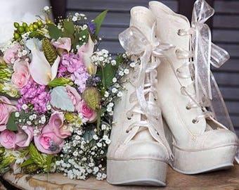 Bridal sneakers, bridal sneakers platform, fifteen years shoes, sweet sixteen sneakers, ivory lace, bridal sneakers