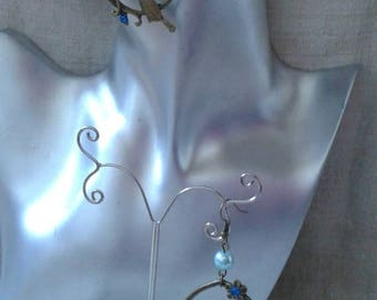 """""""bird in a flower garden"""" earrings"""