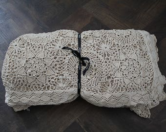 Kingsize Vintage Crochet Blanket