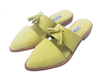 Shoe style Picot leather flaky yellow