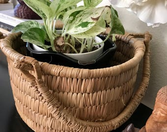 Straw woven basket with handles