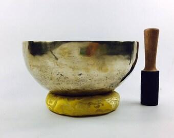 "10"" (3rd Eye / Solar Plexus) Traditional Hand Made Tibetan Sound Healing Singing Bowl - 1.9 kg ॐ"