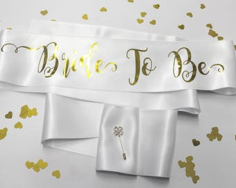Bachelorette Sash, Custom Bridal Sashes, Maid of Honor, Bride to Be Sash, Plus Size, Satin Sash, Personalized, Model Fly, Rose Gold Sash