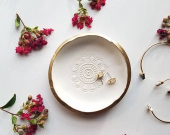 White and Gold Ring Dish, Catchall, Trinket Dish, Jewelry Storage, White Jewelry Dish, White Ring Bowl, Trinket Tray, Birthday Gift for Her