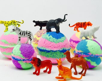 Sale! 1,3 or 5 7.0 oz Zoo Animals Inspired Bath Bomb Party Favor Set with Surprise Zoo Toy Figures Inside Each Bath Bomb