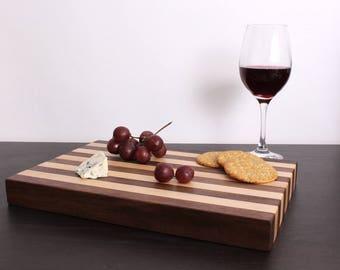 Walnut & Maple Cheese Board / Mixed Wood Cutting Board / Serving Board / Planche à découper / Walnut Wood / Maple Wood