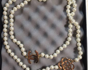 New cute cc and Camellia flower long Pearl necklace chanel inspired